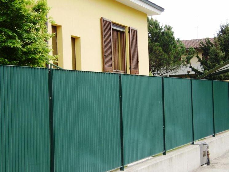 Un esempio di recinzione metallica