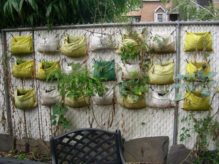Una semplice idea per un giardino verticale