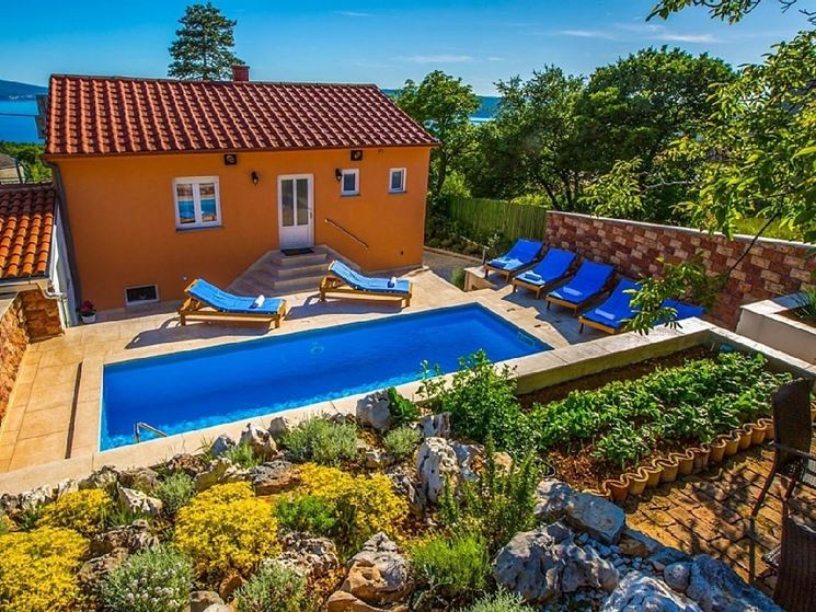 Piscina giardino mediterraneo