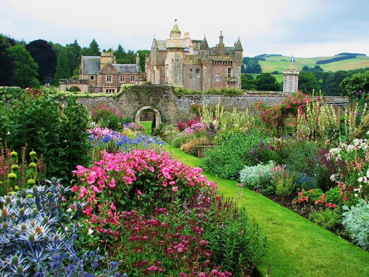 giardini - stili di giardini - tipi di giardino - Piccolo Giardino Sinonimo