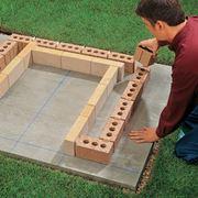 Disposizione della prima fila di mattoni