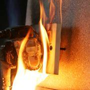 Esempio di incendio provocato da sovraccarico di energia elettrica
