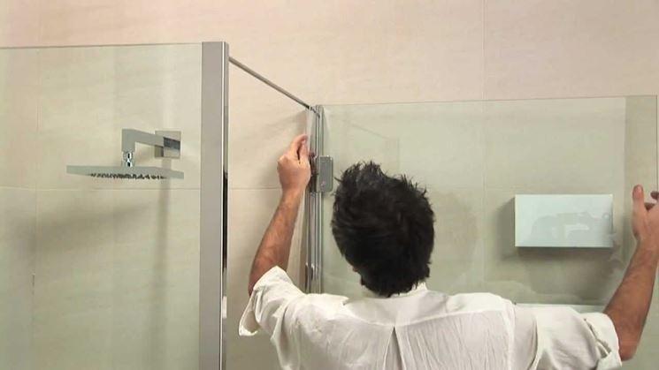 Montaggio ante doccia