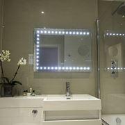 Illuminazione da bagno allo specchio