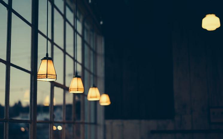 Fila di lampadari
