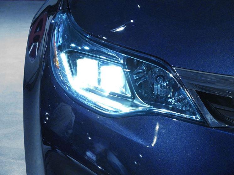 Luci led auto illuminazione della casa luci led per for Luci al led per casa