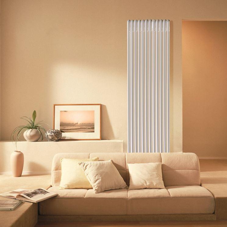 Radiatore tubolare in soggiorno