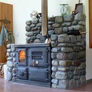 Stufa a legna con forno e piastra in ghisa