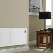 stufa elettrica a basso consumo in un salotto