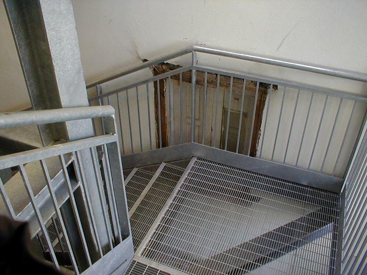 Scala di sicurezza in acciaio