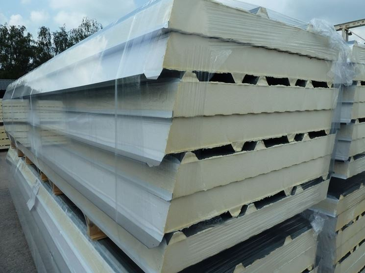 Pannelli isolanti in cemento fibrorinforzato