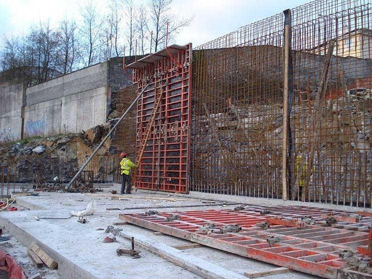 Costruzione di muri in cemento