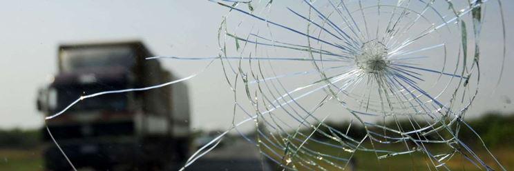Il vetro resta compatto