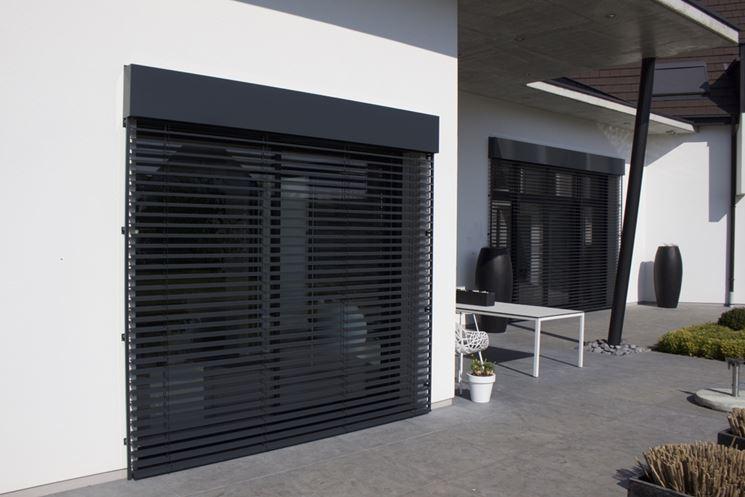 Modello finestra in alluminio con oscurante