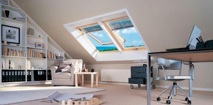 Finestre per tetti finestre lucernari caratteristiche for Lucernari per tetti in legno