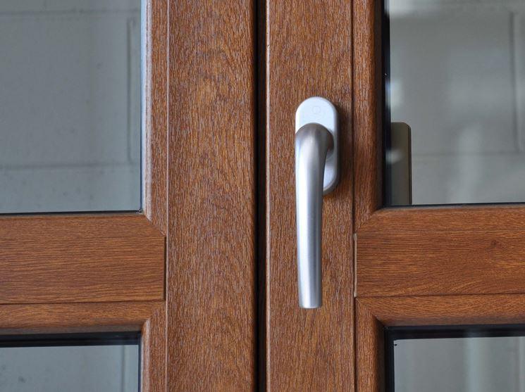 Finestre pvc finestre lucernari modelli e prezzi for Infissi pvc legno
