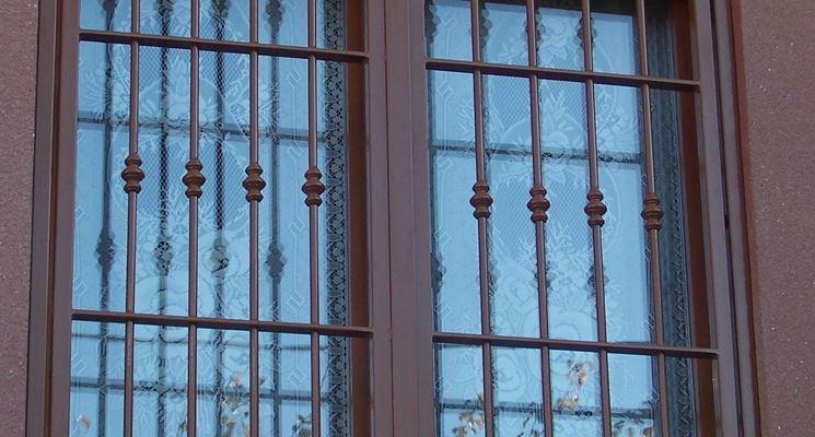 Inferriate di sicurezza finestre lucernari - Verniciare le finestre ...