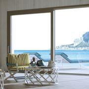 Porta finestra scorrevole per ambienti moderni
