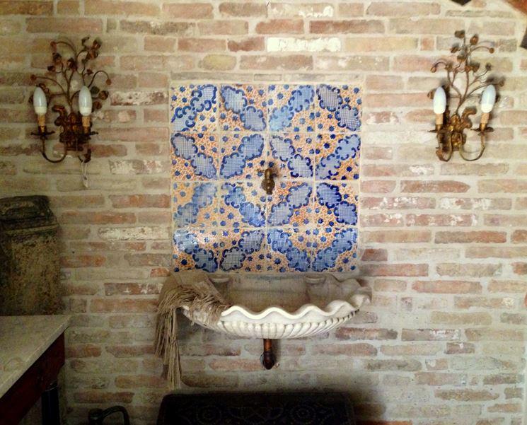 Piastrelle in ceramica dipinte a mano in sicilia