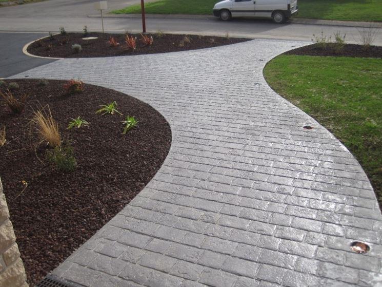 pavimentazione giardino in cemento stampato
