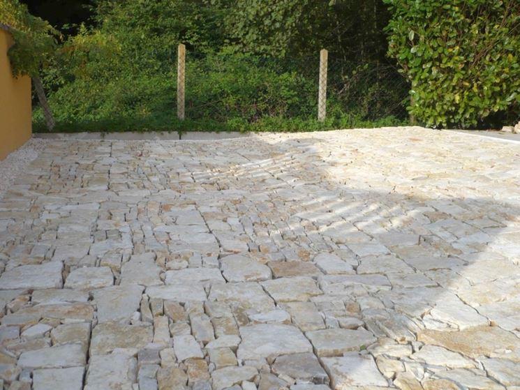 Esempio di pavimento in pietra
