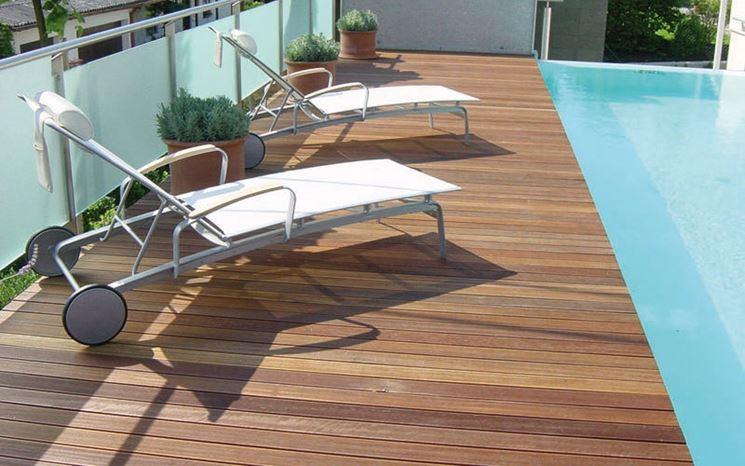 Esempio di pavimenti legno per esterni