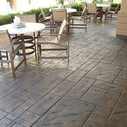 Pavimento in cemento stampato per esterni
