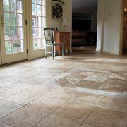 Motivi ornamentali in ceramiche per pavimenti