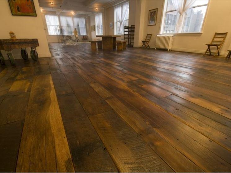 Pavimento con listoni di legno