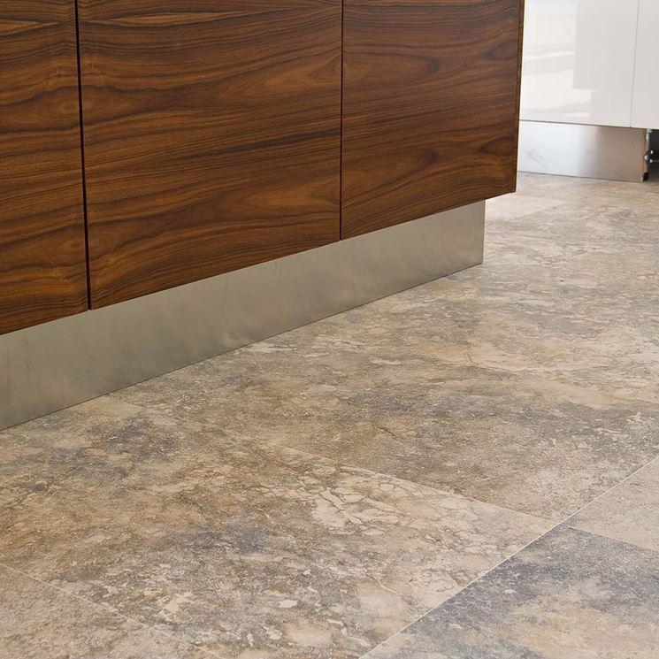 Pavimento cucina pavimento per la casa scegliere il pavimento per la cucina - Pavimento laminato in cucina ...