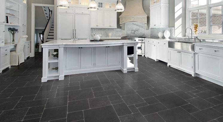 Ardesia pavimenti piastrelle per casa la bellezza dei for Pavimento per cucina