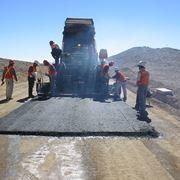 applicazione dell'asfalto a caldo