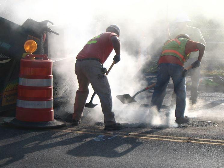 spargimento dell'asfalto a caldo