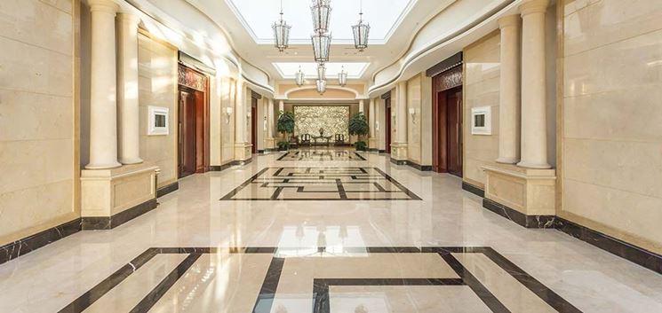 Esempio di pavimenti in marmo