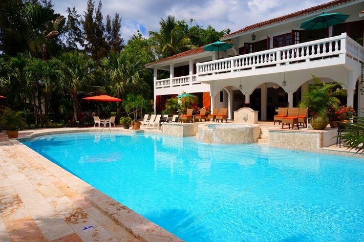 Pavimentazioni per piscine piastrelle per casa - Rivestimento piastrelle per piscine ...