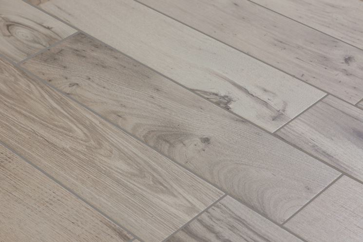 Pavimenti in finto legno piastrelle per casa for Piastrelle ceramica finto legno