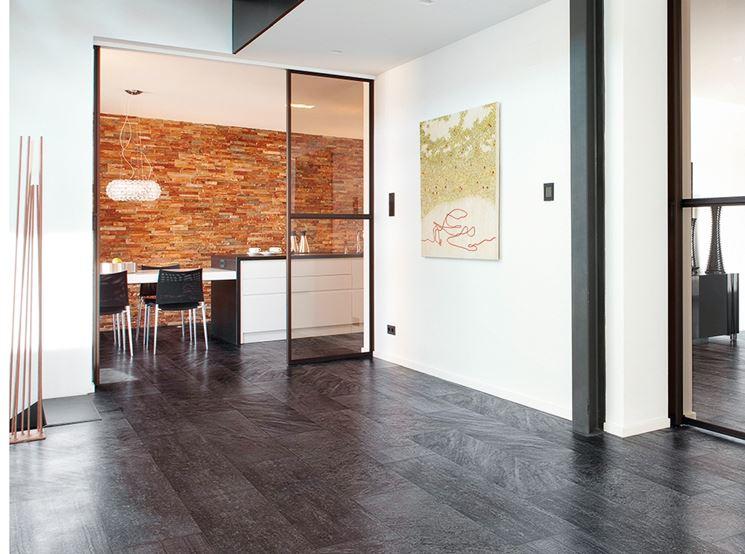 Pavimento in resina e cemento effetto legno