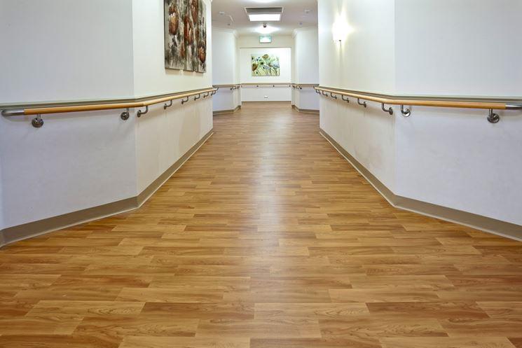 Pavimenti in vinile simil legno pavimento effetto legno for Piastrelle in vinile