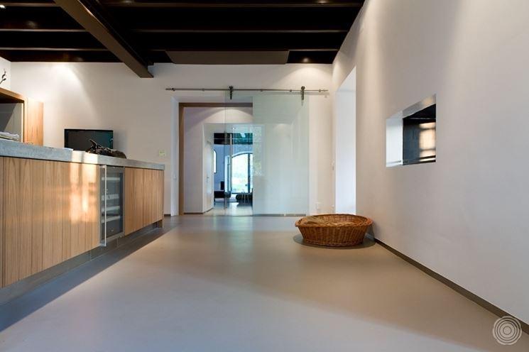 Pavimenti in resina fai da te piastrelle per casa - Materiale per piastrelle ...