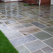 Un lucido pavimento in cemento