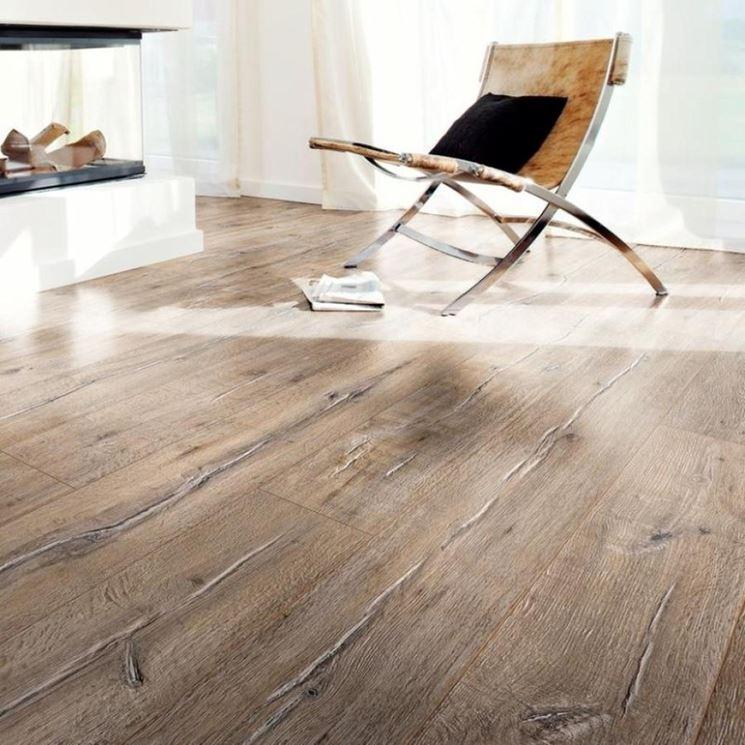Pavimento in laminato piastrelle per casa posare pavimenti in laminato - Piastrelle in laminato ...