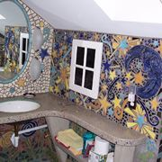 Esempio di mosaico in bagno
