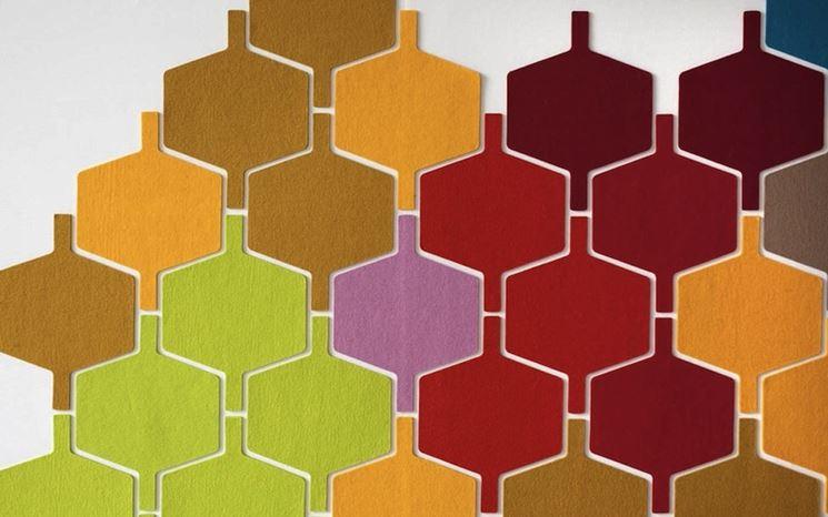 Piastrelle adesive colorate