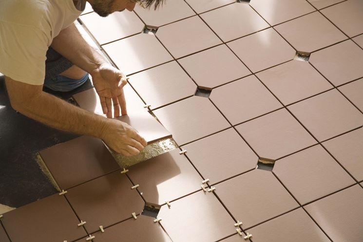Installare rivestimenti ceramici