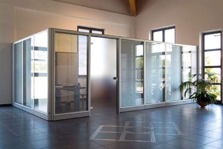 Pareti divisorie costruire pareti tipologie di pareti - Parete divisoria in vetro ...