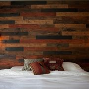 Pareti in legno rustiche
