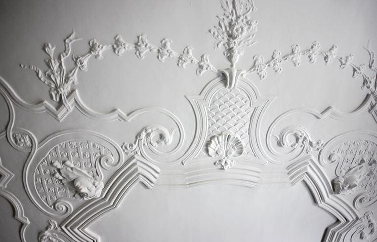 Stucchi costruire pareti tipologie e uso degli stucchi - Stucchi decorativi in gesso ...