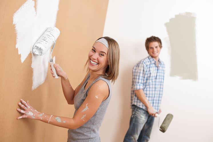 Tecniche per pitturare una stanza
