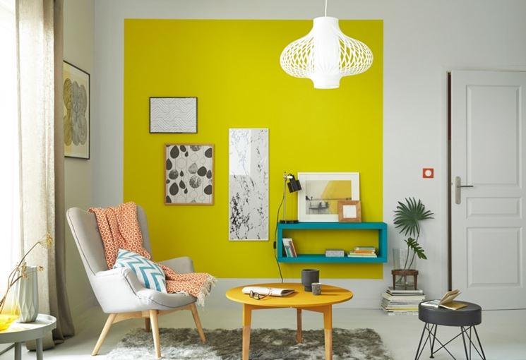 parete colorata soggiorno