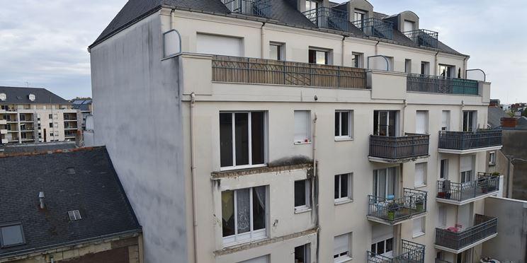 Facciata con molti balconi